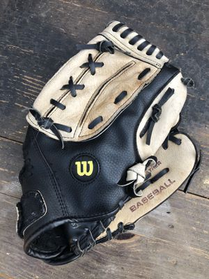 "Wilson A2451 11"" youth baseball glove for Sale in Aurora, CO"