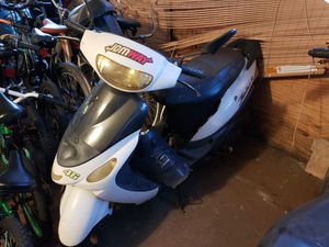 50cc scooter for Sale in Boca Raton, FL