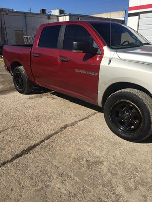 2011 Dodge ram Big Horn 4 x 4 for Sale in Broken Arrow, OK