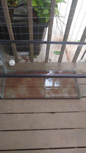 29 gallon aquarium/ fish tank for Sale in Lilburn, GA