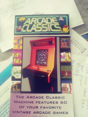 60 in one arcade machine takes bi. lls for Sale in Lakeland, FL