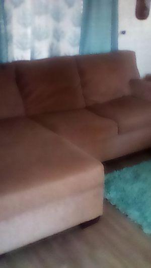 L shaped sofa for Sale in MAGNOLIA SQUARE, FL