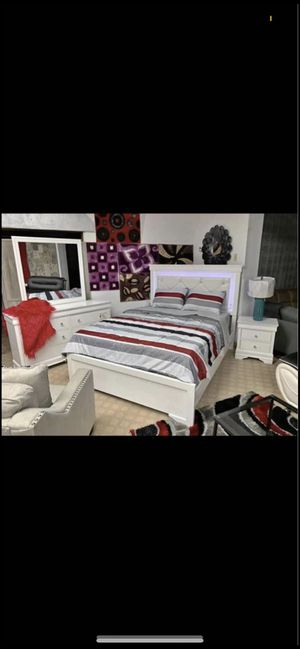 Bed, dresser, mirror, nightstand for sale! Only 50$ down payment no credit check needed! for Sale in Valley Stream, NY