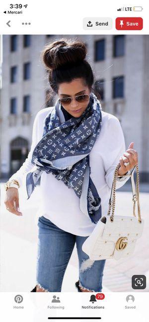 Louis Vuitton scarf for Sale in Richardson, TX