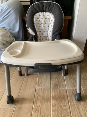 High chair for Sale in Orlando, FL