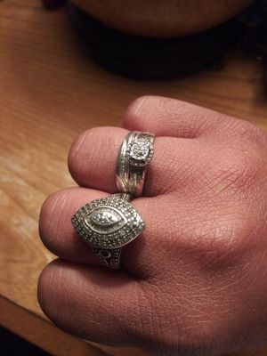 Sterling silver woman wedding set size 7 an cluster ring for Sale in Richmond, VA