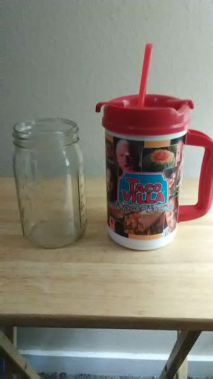 Yes I have six big mason jars they stand every bit as tall as a 32 announce fountain soda pop for Sale in Amarillo, TX