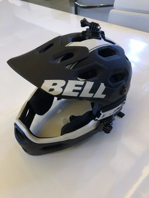 MTB Bell Helmet w/ removable chin for Sale in ROWLAND HGHTS, CA