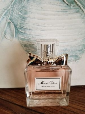 Authentic Miss Dior Eau De Toilette 1.7 (50ML) for Sale in Chicago, IL