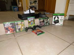 Xbox 1x bundle for Sale in Kissimmee, FL