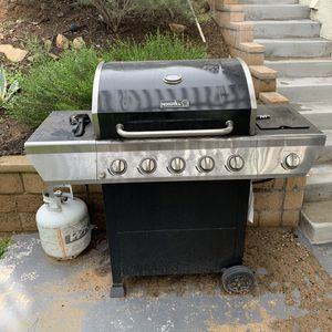 bbq grill with 2 propane tanks for Sale in Oceanside, CA