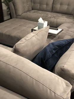 Gray Rooms To Go Sofa Sectional for Sale in Missouri City,  TX
