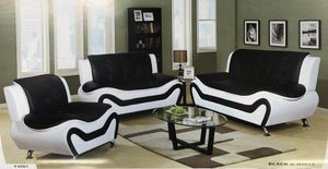 Black & white leather couch, love seat and chair set. New in sealed packaging! Never been used! Delivery for Sale in Portland, OR