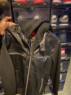 Men Guess jacket with Hoodie ( large ) for Sale in Pearland, TX