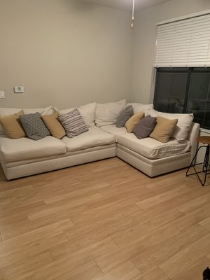 Moving. Off white sectional. Paid about $2500. American signature for Sale in Orlando, FL
