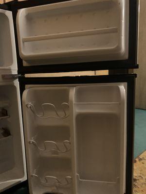 Arctic King Mini Fridge for Sale in San Marcos, CA
