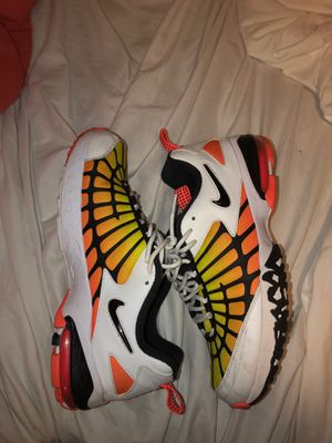 Nike air max 120 Size 11.5 men's running/ retro shoes for Sale in Tampa Palms, FL