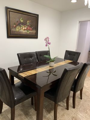 Dinner table for Sale in Hollywood, FL