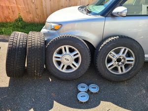 OEM Ford Expedition wheels & Toyo Observe GSi-5 studless snow tires 265/70R17 for Sale in Sultan, WA