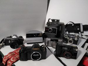 VINTAGE MANUAL CAMERAS. READ DETAILS for Sale in St. Louis, MO