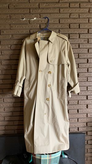 Burberry Trench Coat for Sale in SeaTac, WA