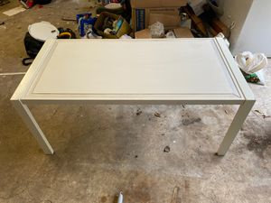 White coffee table for Sale in Spring, TX