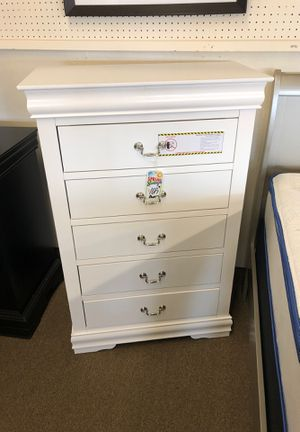 5 Drawer chest for Sale in Fresno, CA