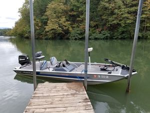 Bass tracker tx17 for Sale in Cleveland, TN