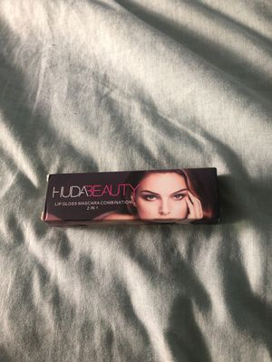 Huda beauty combination for Sale in Los Angeles, CA