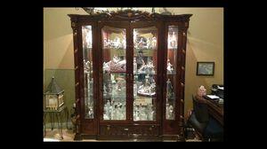 Curio Cabinet for Sale in Cypress Gardens, FL