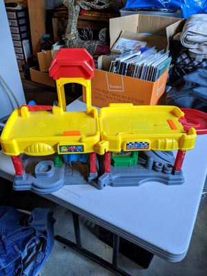 Fisher Price Little People Garage Car Wash for Sale in Horseheads, NY
