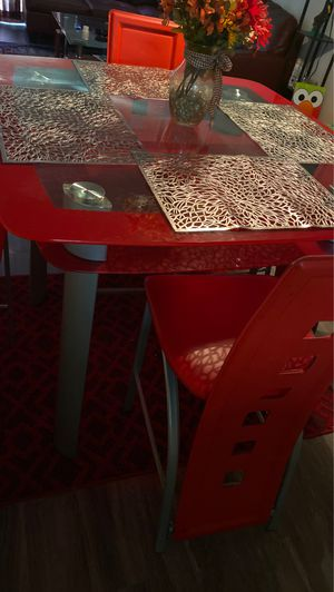 Red glass dining room table for Sale in Fort Washington, MD