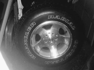 Jeep tires and rims 235/75/15 tires are brand new for Sale in Kalamazoo, MI
