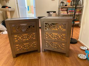 **2** Mirrored 3 drawer chest/nightstands for Sale in Los Angeles, CA