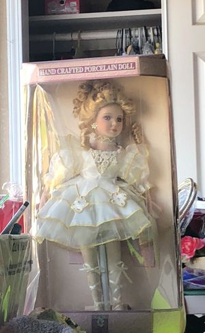 Antique doll for Sale in Selma, CA