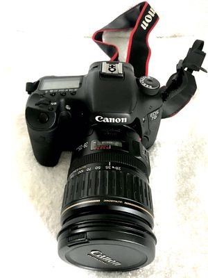 Canon EOS DSLR camera + extras for Sale in Seattle, WA