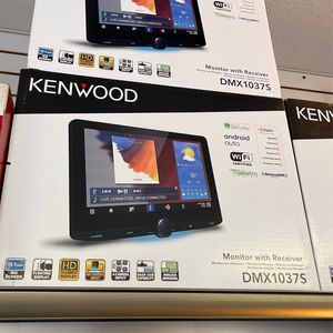Kenwood 10 inch Touchscreen Bluetooth Apple CarPlay Android Auto for Sale in Chula Vista, CA