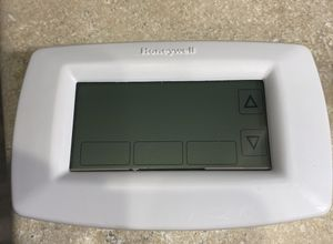 Honeywell thermostat. for Sale in Hillsboro, OR