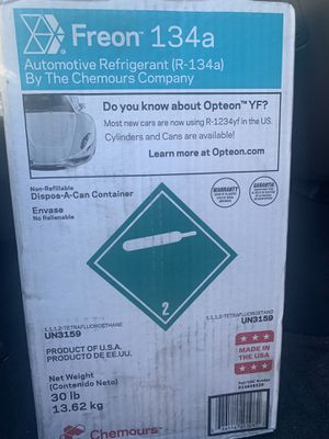 Freon R134a automotive refrigerant for Sale in San Marcos, CA