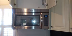 Propane gas range whirlpool for Sale in Silver Spring, MD