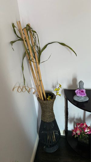 Floor vase with flowers for $30 each for Sale in VA, US