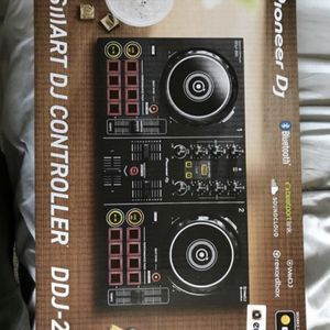 Dj mixer for Sale in East Hartford, CT