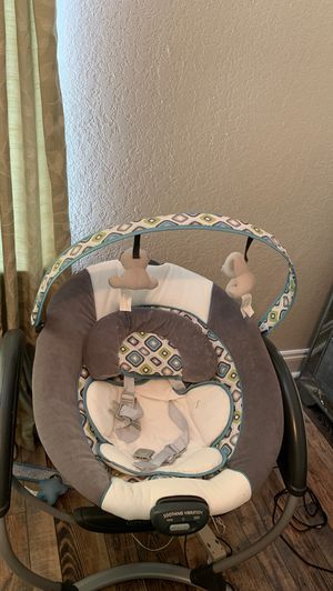 Graco baby swing for Sale in Gulf Breeze, FL