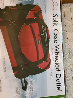 New Skyway Split Case Wheeled Duffle Bag for Sale in Issaquah, WA