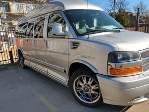 Luxary Limited SE EDITION CHEVY EXPRESS for Sale in Dallas, TX