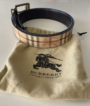 Burberry Reversible Leather Vintage belt for Sale in Aventura, FL