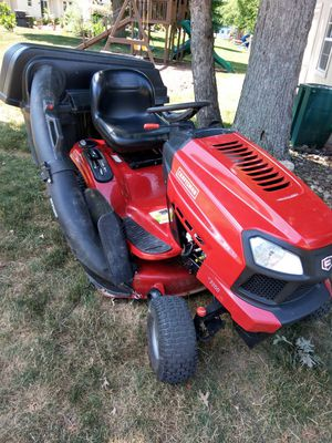 2014 Craftsman 19hp 42in hydrostatic riding lawnmower with triple bagger $950 for Sale in Brunswick, OH
