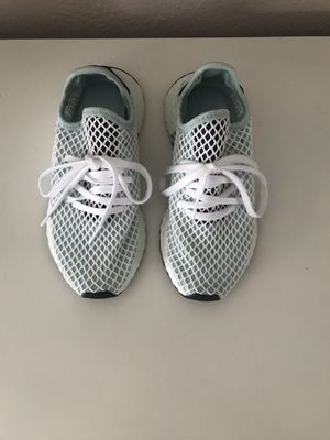 Adidas women's size 5 for Sale in Hayward, CA