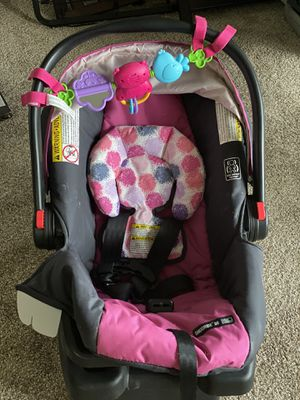 Used Graco Car Seat for Sale in Strongsville, OH