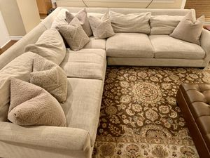 Oversized sofa sectional for Sale in Alta Loma, CA